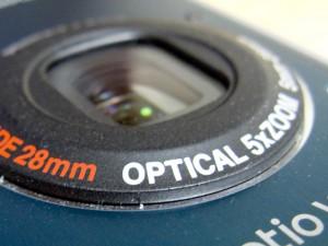 修理中のカメラ